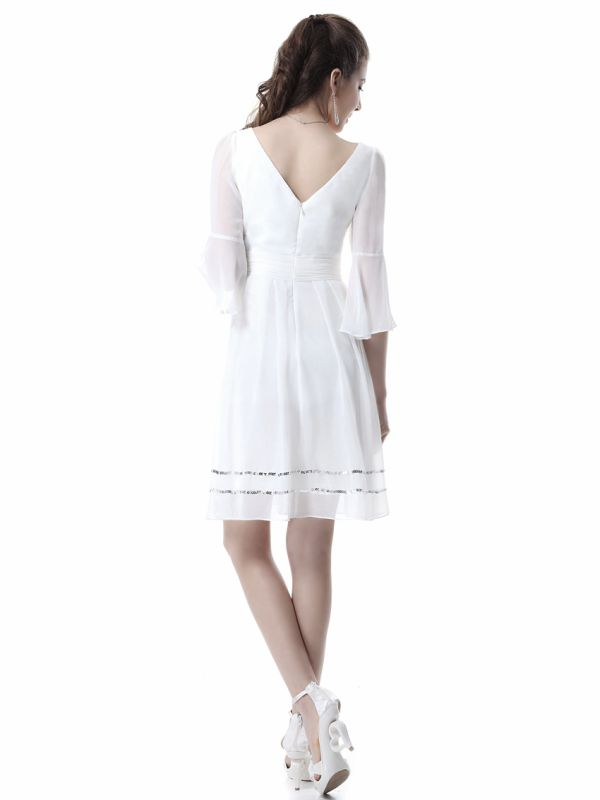 bílé krátké společenské šaty s rukávy - plesové šaty 7ce04949f4